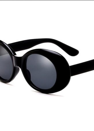 Retro Oval Sunnies - Black (2)
