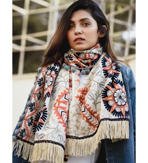Cream African Motif Woollen Embroidered MufflerStole_scarf59 (1)