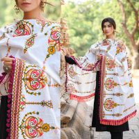 MF1600_Off-White Heavily Aari Embroidered Khadi ShawlDupatta With Wine Cotton Tassel (1)