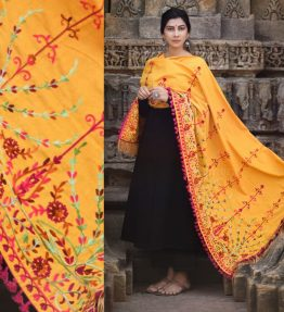 MF1602_Mustard Floral Aari Embroidered Khadi ShawlDupatta With Wine Cotton Tassel Lace (1)