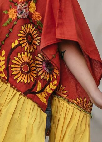 Rust Sunflower Embroidery Assymetric poncho_poncho16 (3)